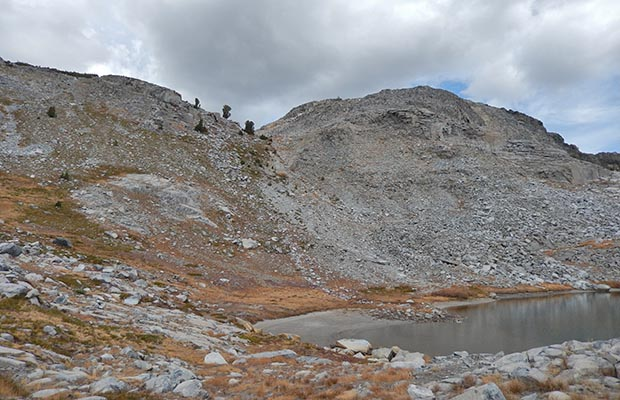 The southern side of Whitebark Pass which drops down to the Nydiver Lakes
