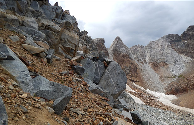 The final pitch along the narrow ledge below Hopkins Pass.