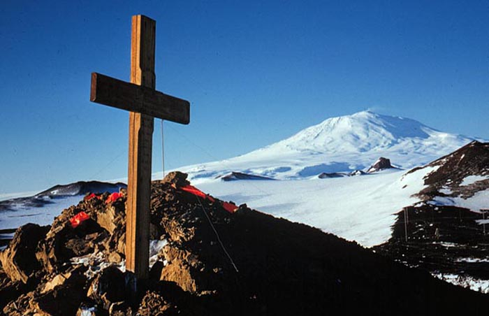 On Crater Hill looking north to Mt Erebus.  Cross in memory of Capt Scott & Party, 1912.