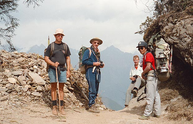 Martin, Mal, Russell and Dorje before descending into the Dudh Kosi valley
