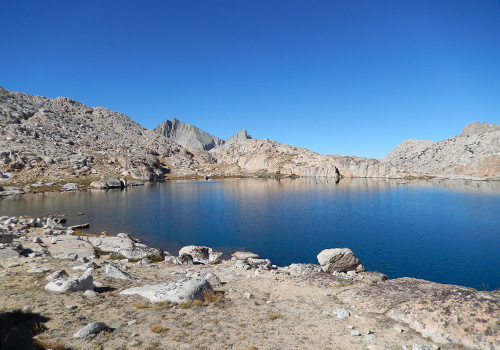 On the edge of Ursa Lake, before climbing to Black Bear Lake.